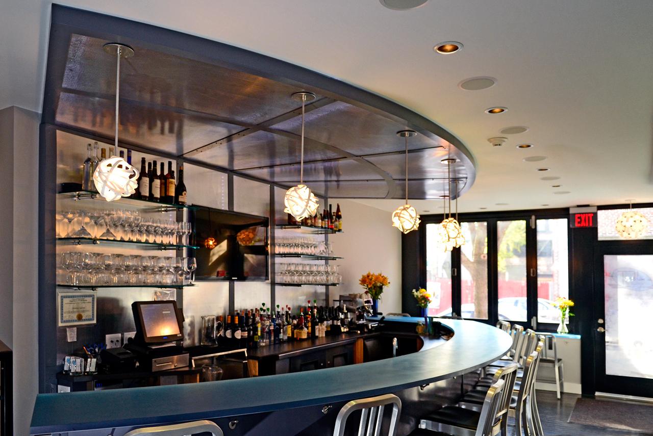 Jet wine bar in habit of good design for Commercial wine bar design ideas
